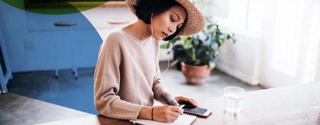 SVI eSolutions femme en conférence téléphonique
